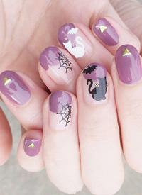 一组紫色系美甲,带点灰调的紫色真的超美超气质 