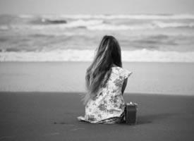 绝口不提爱你 不是不爱 而是很爱 却不能再爱 