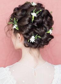 超唯美的气质型唯美新娘发型图片欣赏