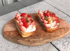 一组草莓主题的甜点图片欣赏