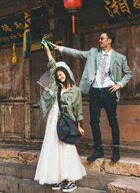 一组自然纯粹的街拍风格婚纱图片