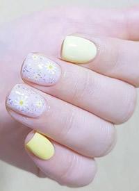 一组女生短指甲可以做的可爱 星空 简单系列美甲