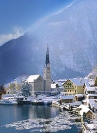 """哈尔施塔特镇是奥地利最古老的小镇,被誉为""""来自天堂的明信片"""