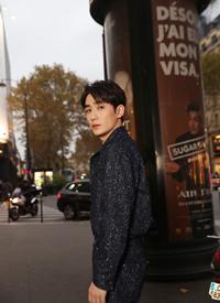 朱一龙巴黎时装帅气图片