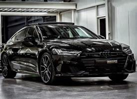 新奥迪A7黑色外观特别炫酷迷人