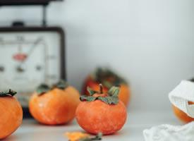 一组长得特别好看的清新唯美柿子图片