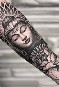 手臂点刺:一组点刺风格的黑色手臂纹身图案