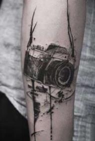 2相机纹身:摄影师很喜欢的相机纹身图案9张