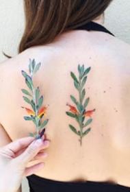 植物花草纹身:27张艳丽的黑色花草植物纹身图案