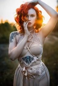 18张国外欧美纹身女性的图片赏析