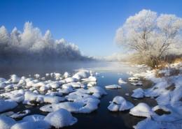 寒冷的冰雪风景图片_12张