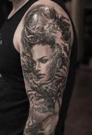 9张欧美风格的黑灰写实纹身图案作品