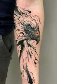 素描紋身:一組黑灰水墨風格的素描動物紋身圖案