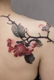 纹在后肩处的一组漂亮水墨风格纹身图片