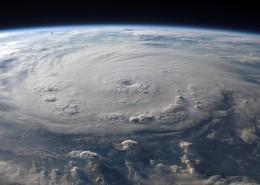 衛星拍攝的地球局部圖片_12張