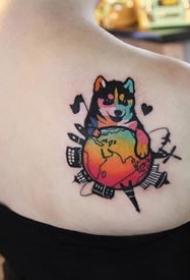 一组彩色拼接风格的个性纹身图