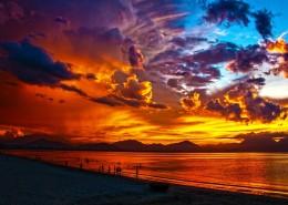 绚丽多彩的天边火烧云图片_15张