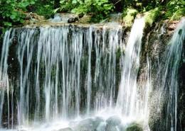 瀑布溪流圖片_22張