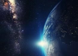 宇宙闪亮的星系图片_15张