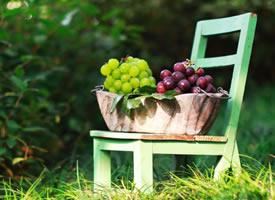 一组青葡萄和紫葡萄的图片欣赏