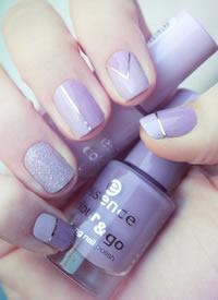 一组浪漫紫色美甲图片参考