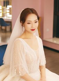 端庄中式出门,浪漫婚纱典礼,精致礼服敬酒的新娘发型