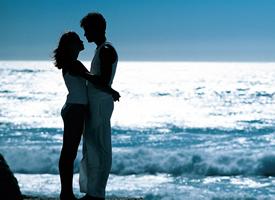一组情侣甜蜜亲吻的高清图片欣赏