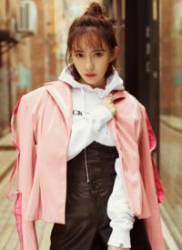 刘萌萌甜美街拍高清写真图片