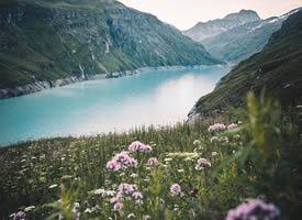 一组高山和美丽的小乡村图片欣赏