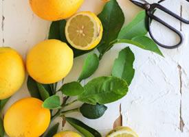 一组超新鲜的黄色柠檬图片欣赏