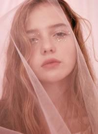 俄羅斯模特Kulakova Sonya ???化妝造型特別好看