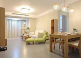 搭配原木色家具的现代简约风格装修效果图 ????