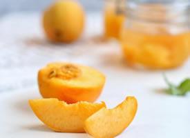 一组黄桃的唯美图片欣赏