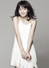 张佳宁白色纱裙梦幻写真图片