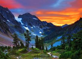 一组高大威武的阿尔卑斯山脉风景图片欣赏