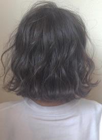 一组纷乱中带点俏皮的女生短发发型
