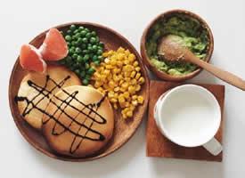 一組營養搭配均衡的減肥早餐圖片