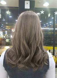 一组长发女生发型发色图片参考
