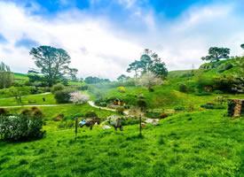 这个小乡村像是童话里的世界一样的霍比屯