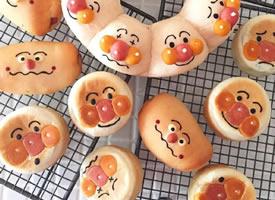 一組超級可愛有趣的表情面包圖片欣賞