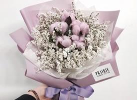 一组紫色系花束更显梦幻感