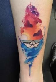 纸船刺青:小清新的一组小纸船纹身图案9张