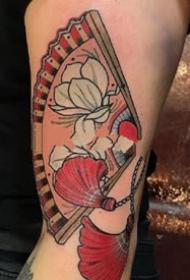 扇子刺青:日式风格的一组扇子纹身图案