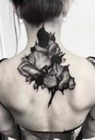 深黑色的一组点线黑灰纹身图案9张