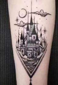 歐美大黑灰風格的城堡建筑系紋身作品