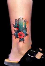 植物仙人掌的一组个性纹身图片