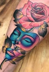 五彩斑斓的适合手臂和腿部的彩色纹身