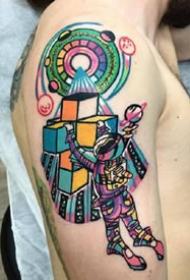 配色新颖的一组彩色oldschool纹身作品