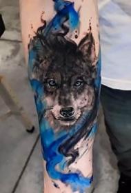 一組和狼頭相關的狼紋身圖片9張