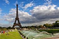 法国巴黎埃菲尔铁塔图片_10张
